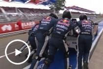 Whincup issues, pushed through pit lane