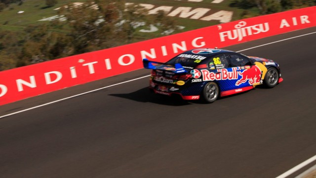 Whincup sets new record