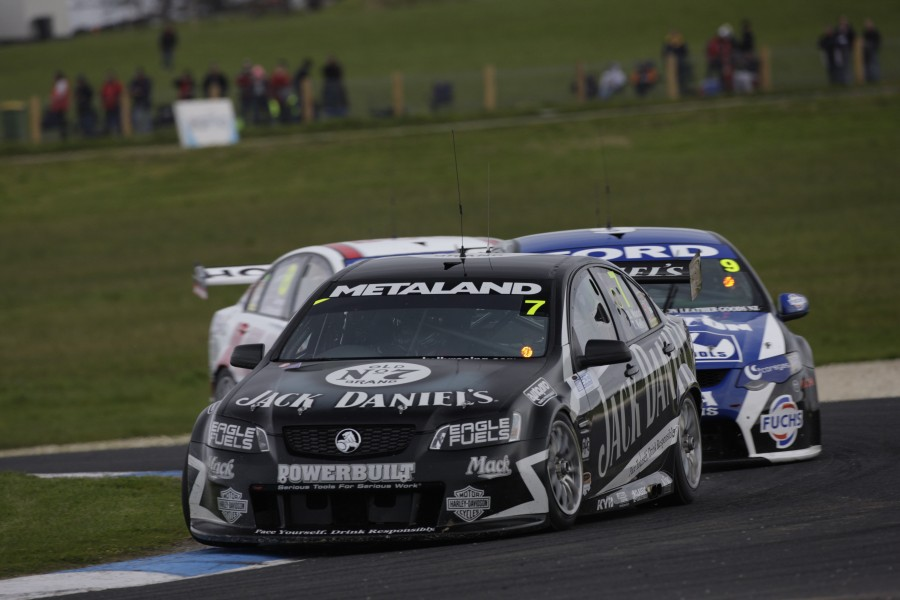 V8 Supercar action during Qualifying Race 1 of the 2010 L&H 500, Phillip Island