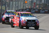 Newcomer Russell fastest in SuperUtes practice