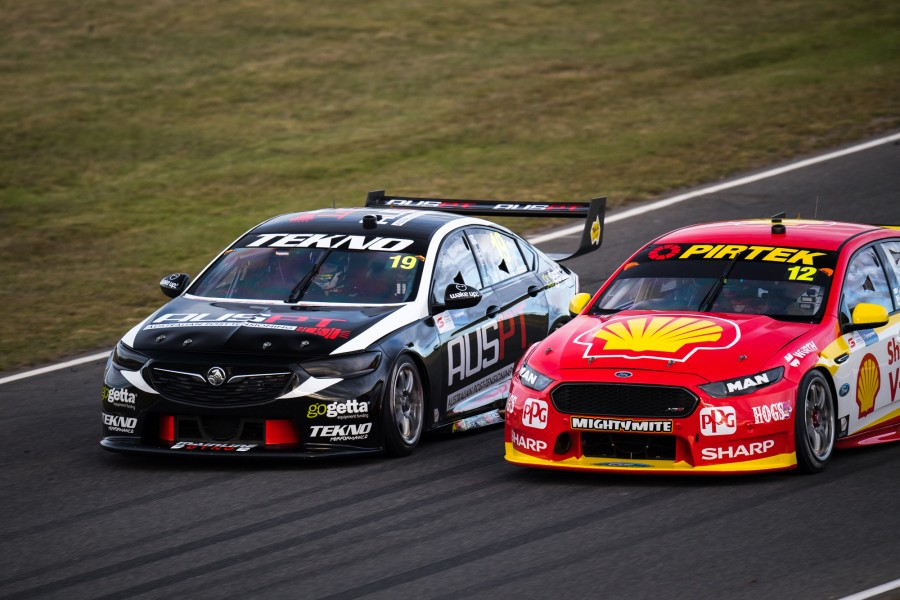 2018 Supercars Championship Round 3. Tasmania SuperSprint, Symmons Plains Raceway, Tasmania, Australia. Friday 6th April to Sunday 8th April 2018. World Copyright: Daniel Kalisz Photographer Ref: Digital Image DSC_2572.NEF