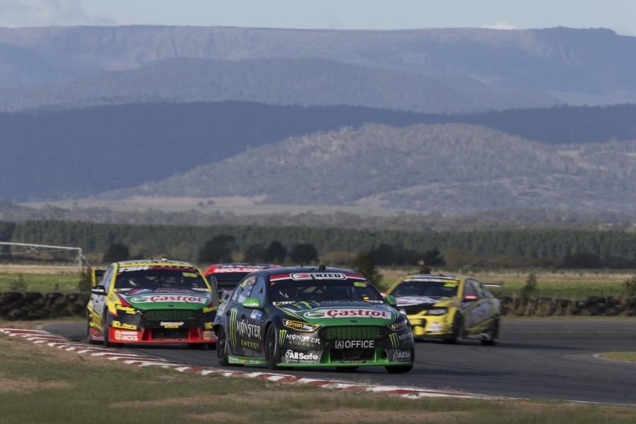 Cam Waters of Prodrive Racing Australia during the Tyrepower Tasmania SuperSprint,  at the Symmons Plains Raceway, Launceston, Tasmania, April 02, 2016.