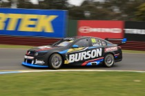 Dumbrell beats Hazelwood to Super2 pole