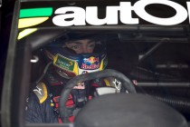 Sydney 500 countdown: #6 Lowndes pushes through