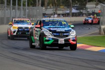 Harris wins SuperUtes finale, Woods the round