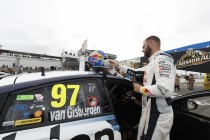 Van Gisbergen surprised team with pit decision