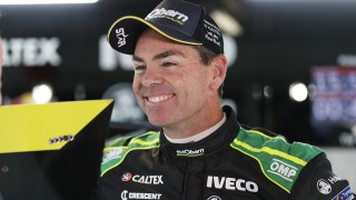 Supercars pays tribute to retiring Lowndes