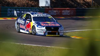 Whincup had cracked chassis at Hidden Valley