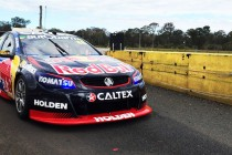 Whincup shakedown thumbs up