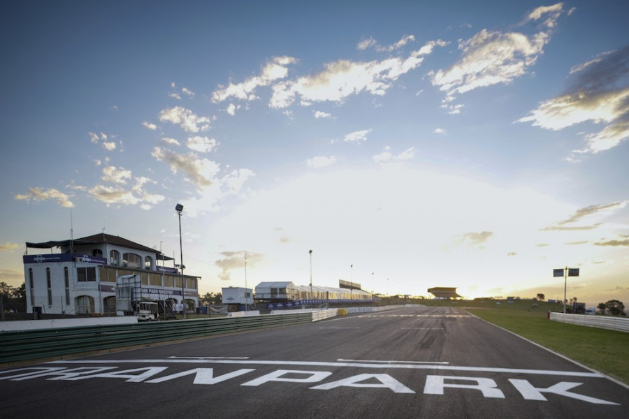 Oran Park during its final Supercars event in 2008