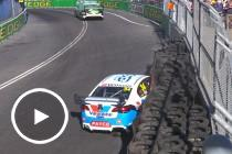 James Moffat crashes out late in Race 25