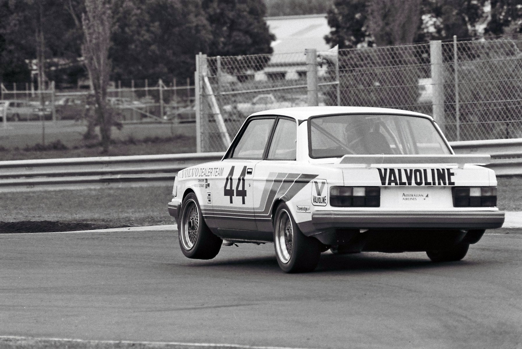 Saturday Sleuthing: the Aussie-Built Volvo 240 | Supercars