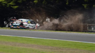 Reynolds fastest, Lowndes crashes in Practice 1