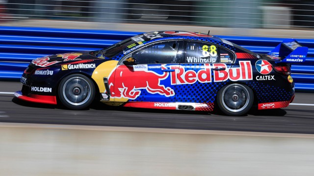 Whincup turns up the heat
