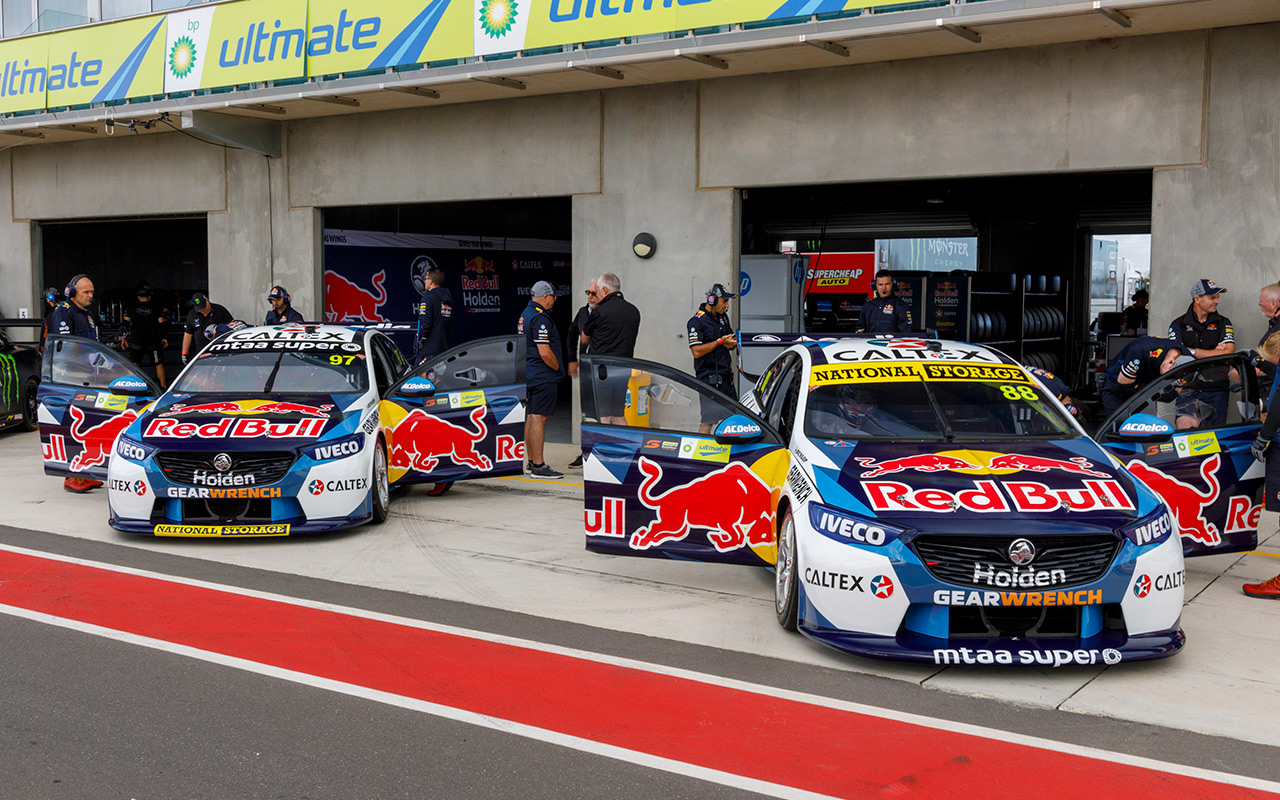 Red Bull HRT plots post-Holden future