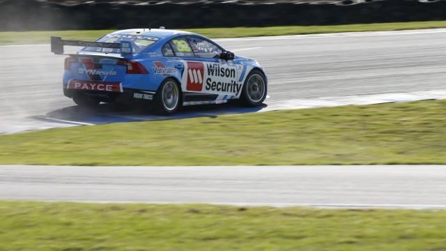 McLaughlin smashes lap record