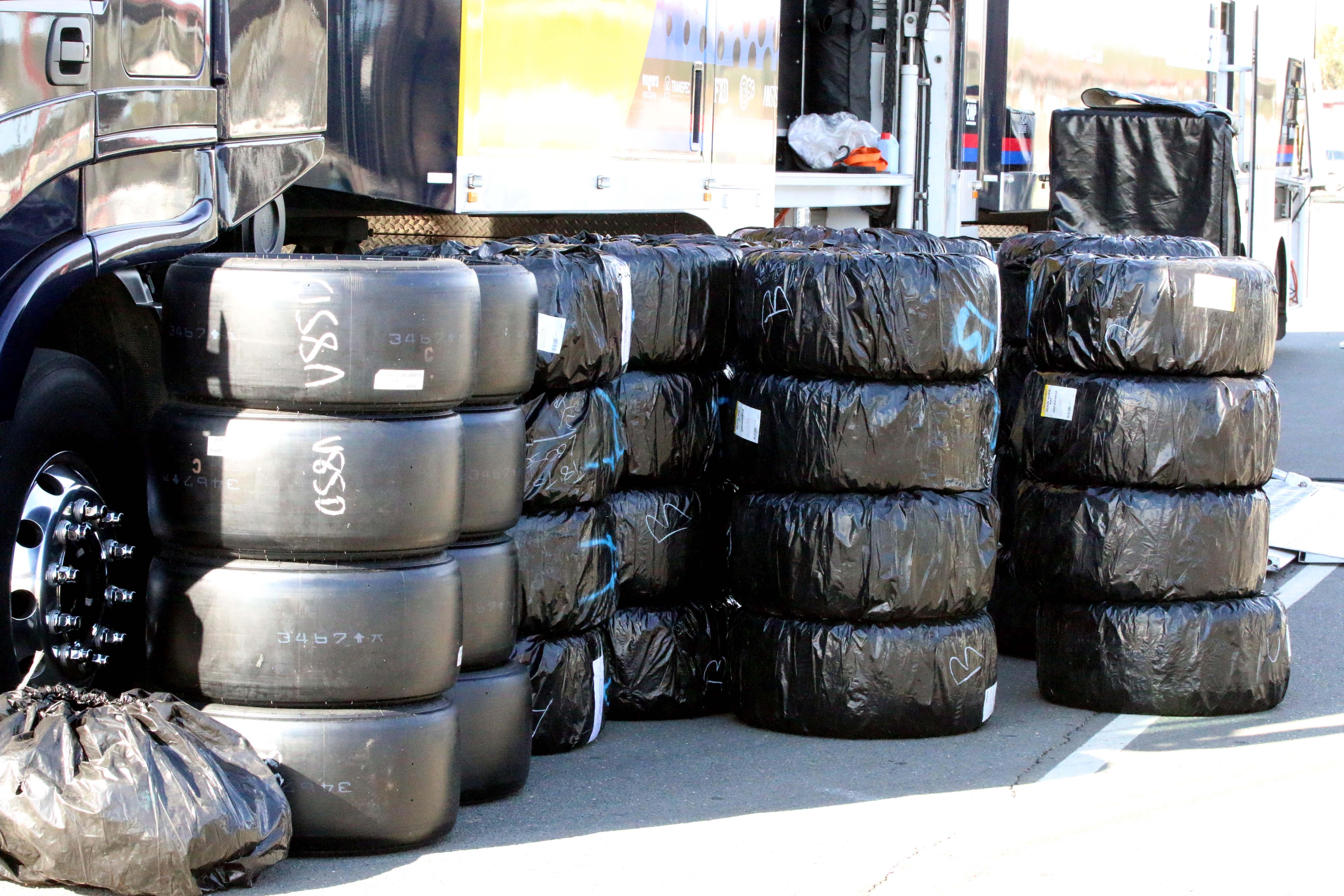 Tyre testing queensland raceway 2016 1