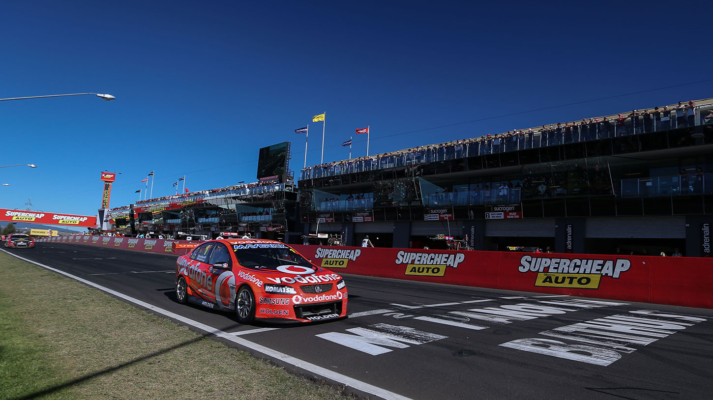 Jamie-Whincup---2012---Bathurst