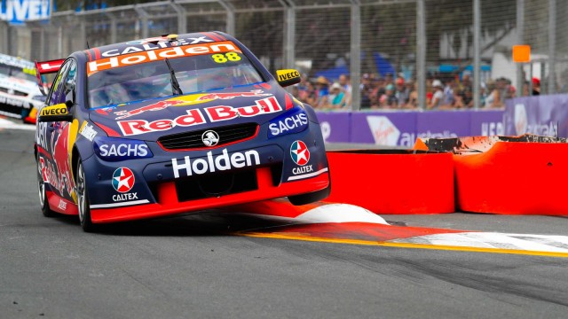 Whincup breaks record to top final practice