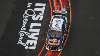 Van Gisbergen denies McLaughlin in Practice 3