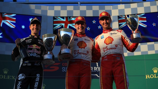 McLaughlin defeats Whincup in Albert Park opener