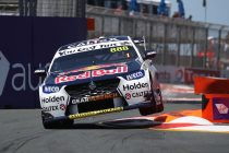 Whincup fastest, Golding crashes in Practice 1