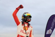 Coulthard snaps winless streak in Winton finale