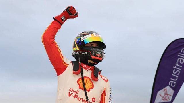 Coulthard snaps winless streak in Winton finale