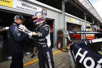 Whincup denies Holdsworth Pukekohe pole