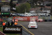 Reynolds beats Whincup to take Sandown pole