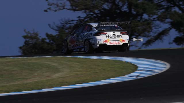 Whincup dominates Practice 2 at Phillip Island