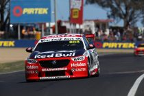 Whincup leads hot early Bathurst pace