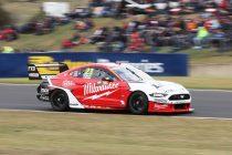 Davison fastest, Hinchcliffe finds trouble
