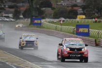Barbour takes maiden SuperUtes victory