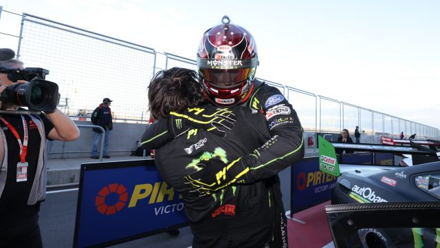 Waters' 'emotional' post-race moment with pit crew