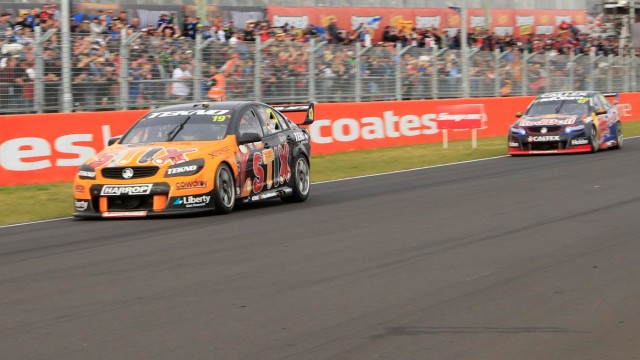 Davison and Webb win Bathurst thriller