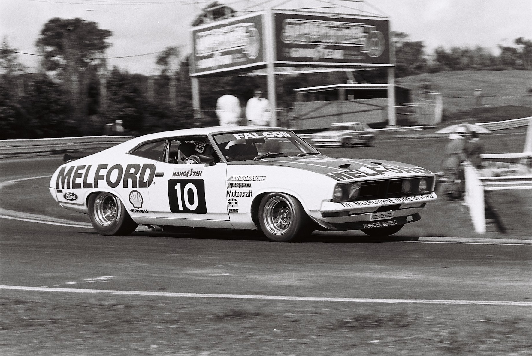 Richards Sandown 400 1977 AN1 images