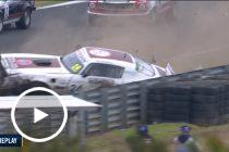 Heavy crash in Touring Car Masters