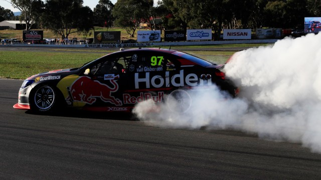 Van Gisbergen leads Red Bull fightback in Race 10