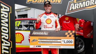 McLaughlin snares last-gasp Race 9 pole