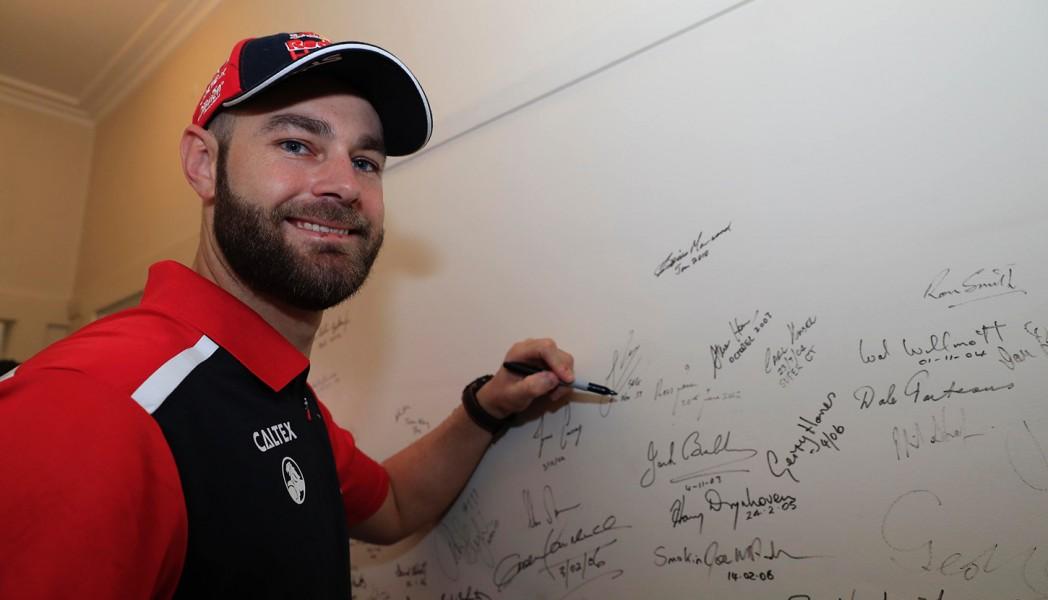 Shane van Gisbergen McLaren Garage 2017 ITM Auckland SuperSprint