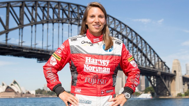 Simona De Silvestro signs with Supercars