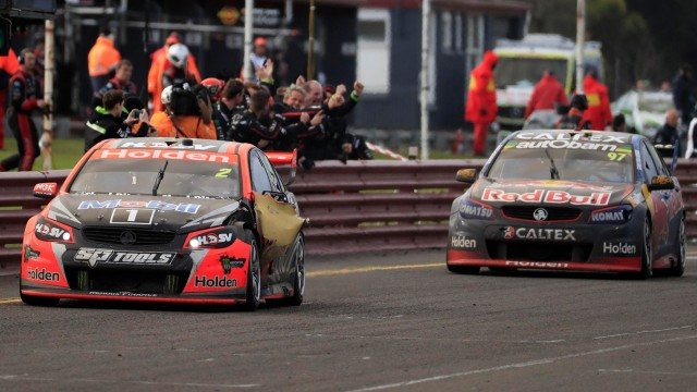HRT strikes back at Sandown