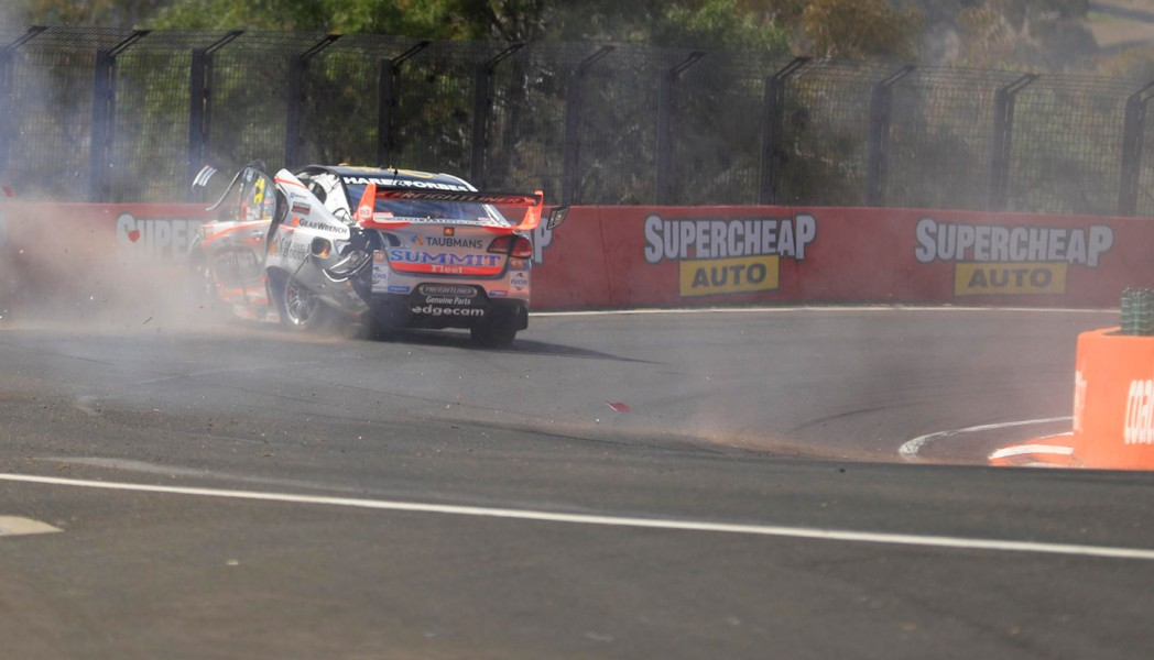 Tim Slade Practice 1 crash 2017 Supercheap Auto Bathurst 1000