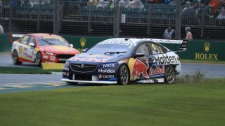 Whincup survives mistake to win Race 4