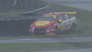 Kelly quickest, Coulthard crashes in Practice 2