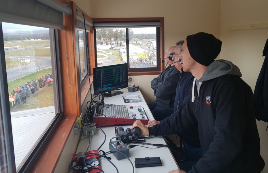 Reynolds' weekend included a stint in the commentary box