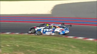De Silvestro frustrated by team-mate clash