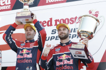 Van Gisbergen prepared to help Whincup in title fight